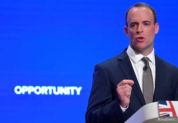 Britain's Secretary of State for Exiting the European Union Dominic Raab delivers his keynote address to the Conservative Party Conference in Birmingham, Britain, October 1, 2018. REUTERS/Toby Melville - RC18D99A4F00