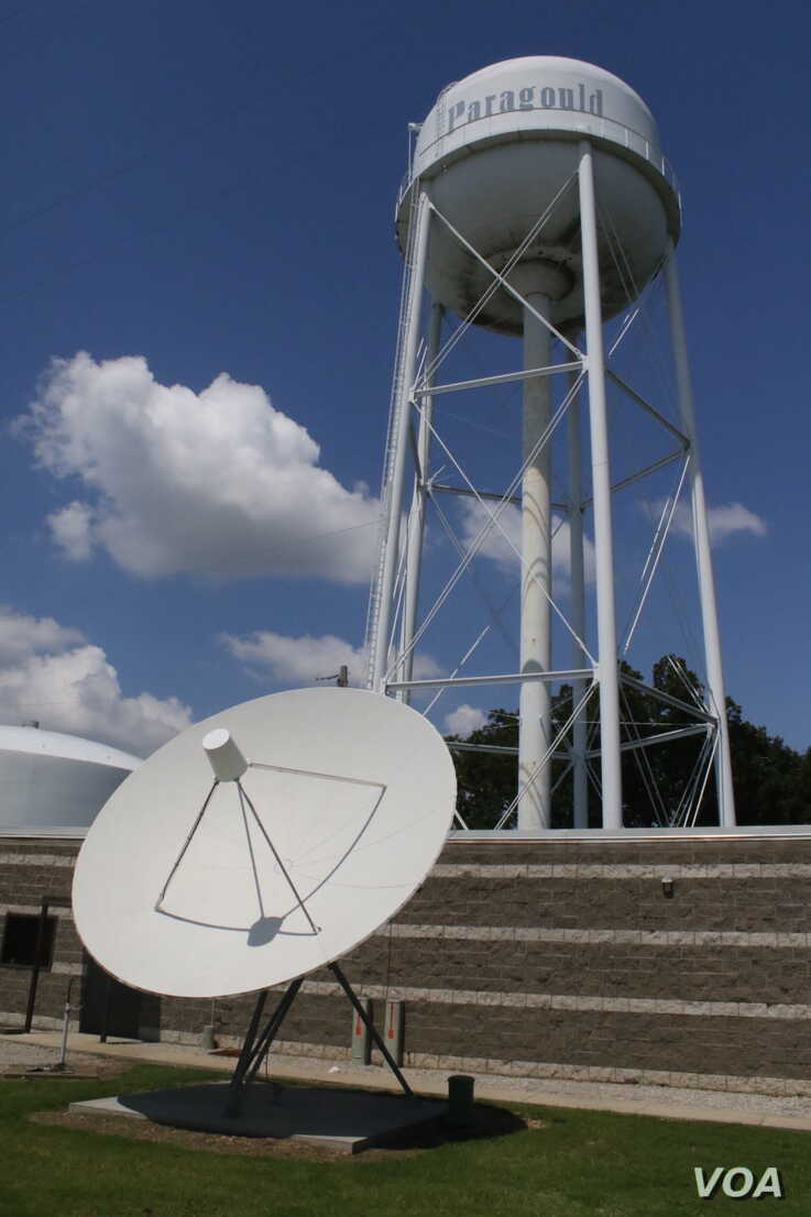 Paragould, Arkansas set up one of the first municipal broadband systems in the United States. (T.Krug/VOA)