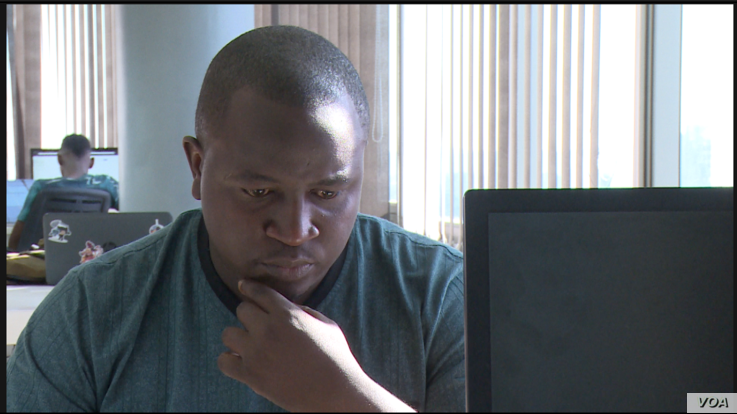 Confidence Nyirenda, director of Golix Crypto Exchange, says the Harare company assists Zimbabweans in using virtual currencies, July 16, 2019. (Columbus Mavhunga/VOA)