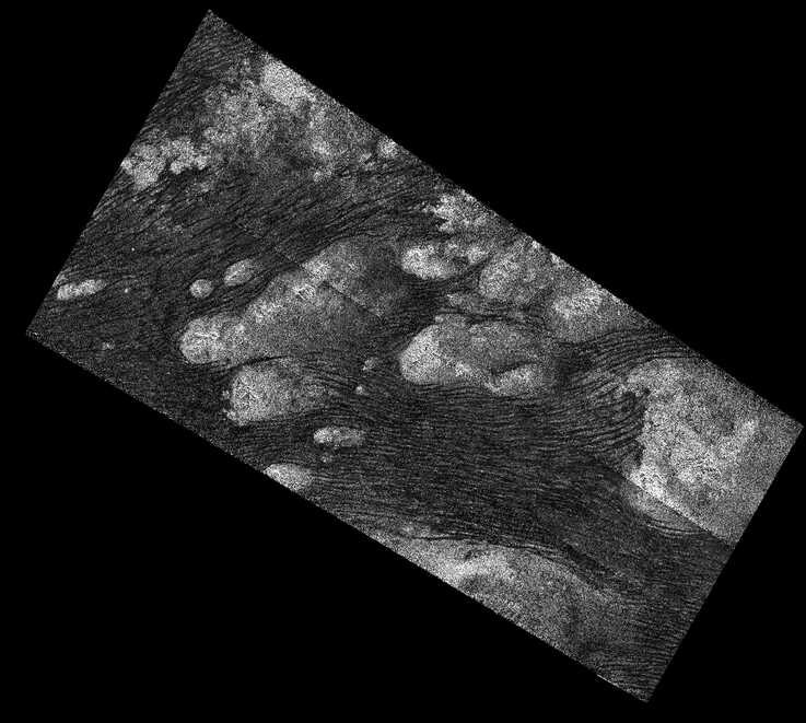 Radar image of sand dunes in the Shangri-La region of Titan, where Dragonfly will land. (Image credit: NASA)