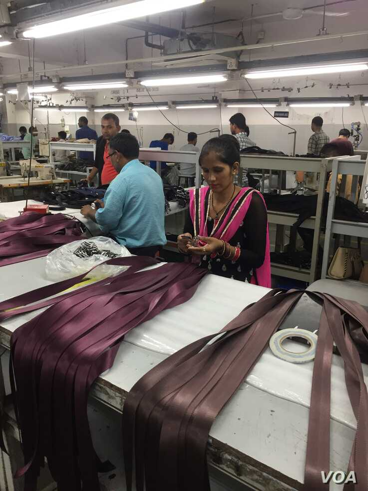 Alpine Apparels in Faridabad on New Delhi's outskirts, a leather goods factory which exports accessories like handbags and belts, fears it could lose business after the U.S. withdrew concessionary tariffs. (Anjana Pasricha/VOA)