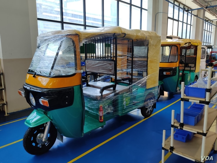 Companies manufacturing e-rickshaws like Shigan Evoltz at Manesar near New Delhi have seen brisk demand in recent years. (A. Pasricha/VOA)