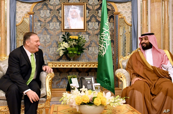 U.S. Secretary of State Mike Pompeo, left, meets with Saudi Arabia's Crown Prince Mohammed bin Salman in Jeddah, Saudi Arabia, on Wednesday, Sept 18, 2019