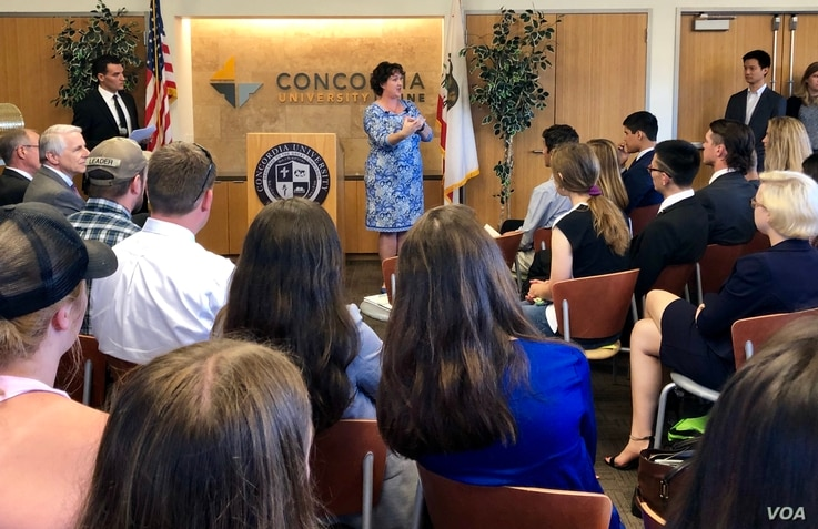 Rep. Porter addresses a group of students at Concordia University in Irvine, Calif.