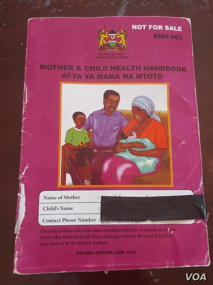 A clinic handbook is given to new mothers free of charge upon delivery at health facilities all over the country.The book contains vaccination schedules and information materials. (R. Ombuor/VOA)