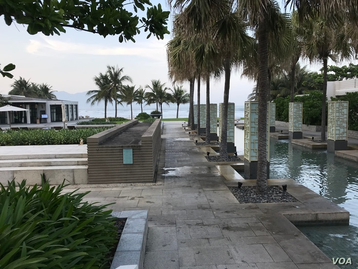 Vietnam's hotels and resorts are looking for new ways to attract tourists, such as through golf. (Ha Nguyen/VOA)
