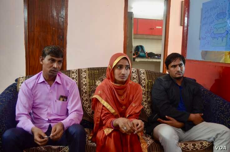 It was a challenge for radio jockey Fareen to overcome parental resistance and work with male colleagues at Radio Mewat, a community radio in Northern India's Haryana state.