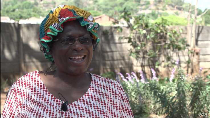 Orpah Chiwashira, the founder of the charity providing the meal, Faith Community Support, says Zimbabwe's struggling economy is taking a toll.
