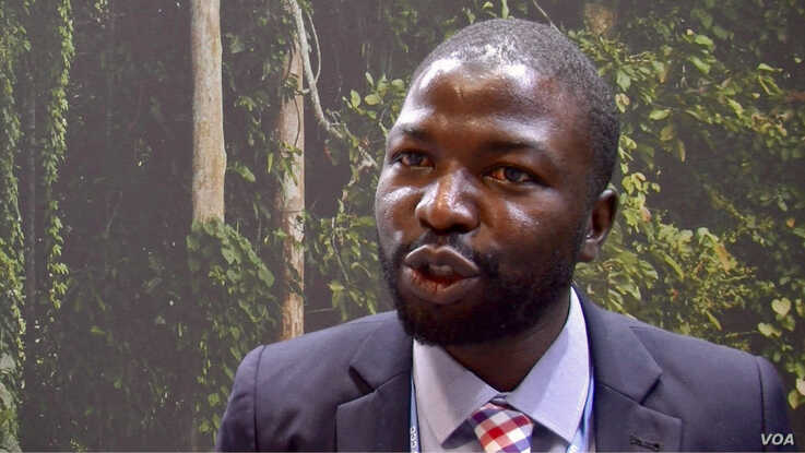 Nigerian social entrepreneur Mahmood Maishanu believes technology and innovation will bring climate solutions. Lisa Bryant. (L. Bryant/VOA)