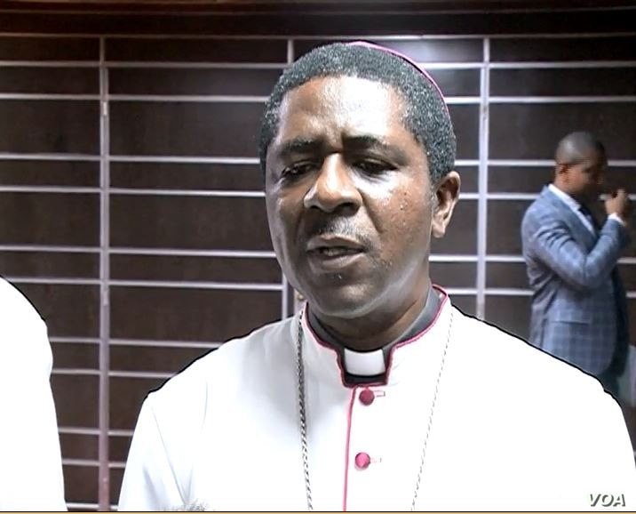 Catholic Bishop Andrew Nkea says the people of Cameroon want peace, in Yaounde, Dec. 5, 2019. (Moki Edwin Kindzeka/VOA)