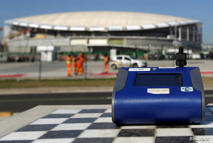A machine tests for PM 2.5 levels in front of 2016 Rio Olympic Park in Rio de Janeiro, Brazil, June 17, 2016. Picture taken…