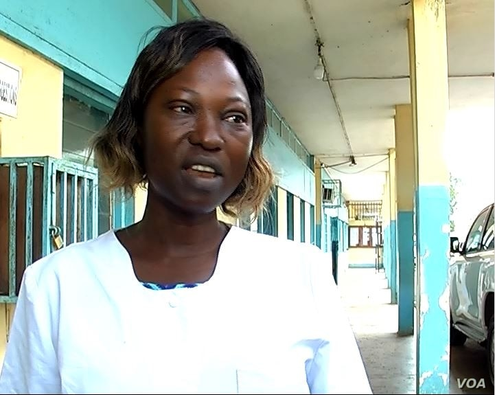 Nurse Christelle Manedji is seen at Ebolowa regional hospital, in Ebolowa, Cameroon, Dec. 9, 2019. (Moki Edwin Kindzeka/VOA)