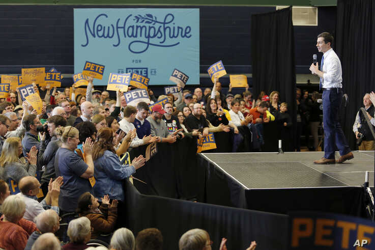Democratic presidential candidate and former South Bend, Ind., Mayor Pete Buttigieg campaigns on Saturday, Jan. 4, 2020, in…