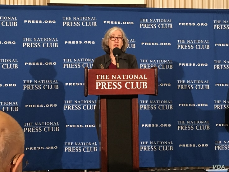 Dr. Anne Schuchat, Principal Deputy Director of the Centers for Disease Control and Prevention, speaks at the National Press Club in Washington, Feb. 11, 2020. (Eunjung Cho/VOA Korean Service)