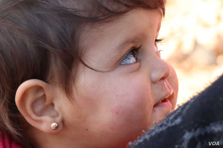 Nearly one million people have been displaced from the battles in Idlib, Syria since December.  More than half are children, pic
