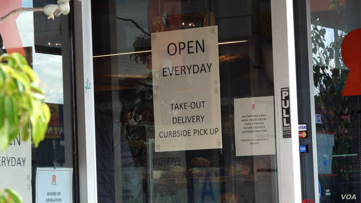 Restaurants are open for take-out and deliveries but dining inside a food establishment is not allowed. (Elizabeth Lee/VOA)