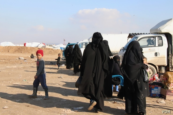 Wives and children of IS fighters are detained in al-Hol Camp in Syria, Feb. 18, 2020. (Heather Murdock/VOA)