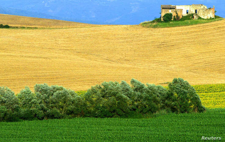 A view of the Italian countryside at Bagno Vignoni near Siena in central Italy.