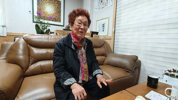 89-year-old Lim Geun-dan, a Gwangju resident, recounts how her son was killed by government forces during a 1980 uprising. May 20, 2020. (W. Gallo)