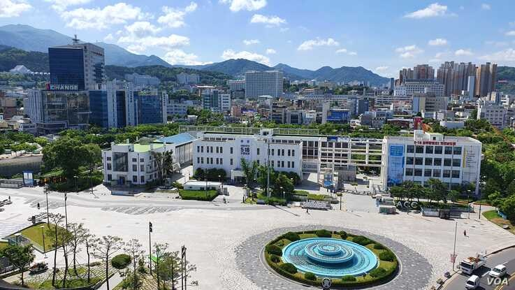 The Gwangju plaza that saw bloody battles between protesters and military forces in May, 1980. In the background is the former provincial government building where the civilian militia made its last stand. May 20, 2020. (W. Gallo)