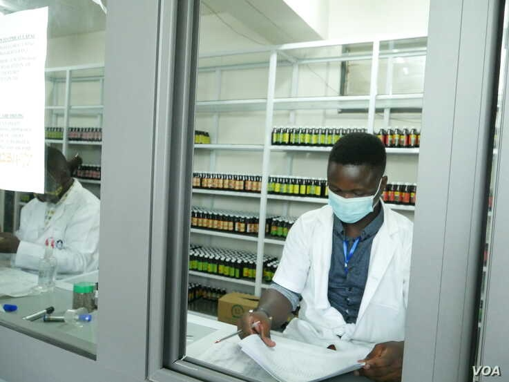 The Center for Plant Medicine Research in Ghana has both a clinic and a pharmacy, where people can purchase plant-based medicines, May 27, 2020. (Stacey Knott/VOA)