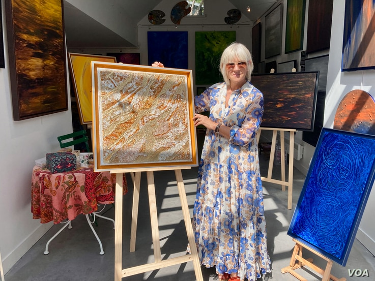 Giverny-based artist Chanal Lallemand sells a lot of her work to American clients - but not this year. (Photo: Lisa Bryant/VOA)