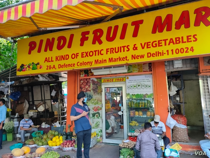 The owner of a fruit and vegetable shop in a Delhi market says hydroponic produce is selling amid rising demand for healthy food amid the pandemic.