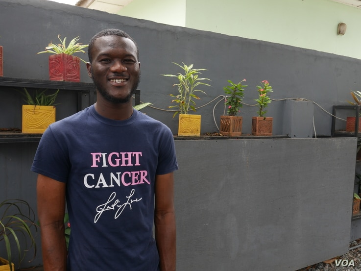 Ibrahim Rauf of the Zurak Cancer Foundation works to increase cancer awareness in low-income communities, Accra, Ghana Sept. 26, 2020  (Stacey Knott/VOA)