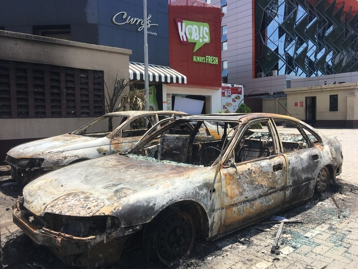 The Admiralty way in Lekki Phase 1, a middle-class shopping area, was looted on October 22, 2020, after the army repressed…