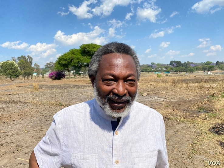"Mandivamba Rukuni, a former economics professor at the University of Zimbabwe who now directs a charity focused on farming innovation in Africa, says ""early shoots"" is labor intensive, October 24, 2020. (Columbus Mavhunga/VOA)"