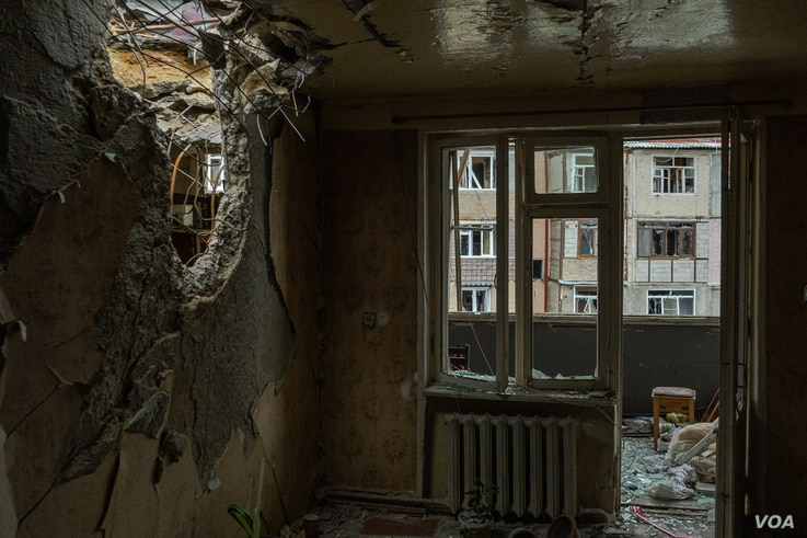 A bombed-out home in Nagorno Karabakh, Oct. 10, 2020. (Yan Boechat/VOA)