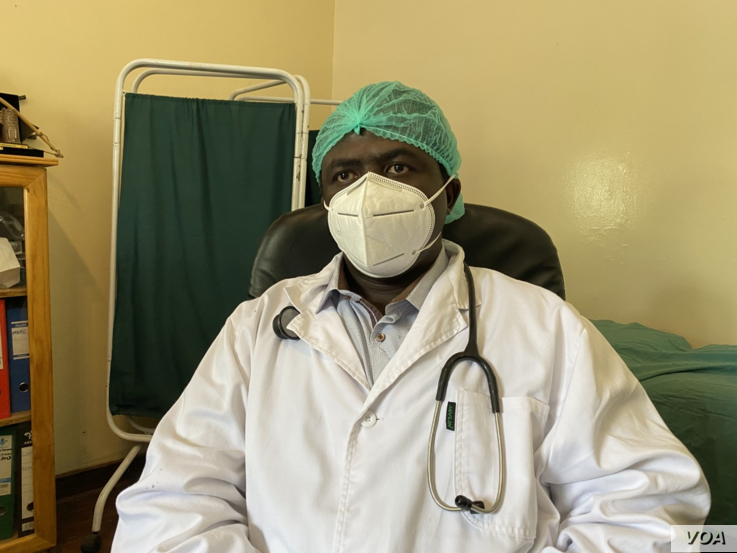 Dr. Aaron Musara, secretary general of Senior Hospital Doctors Association of Zimbabwe says the government is misusing the certificate of good standing.(Photo: Columbus Mavhunga/VOA)