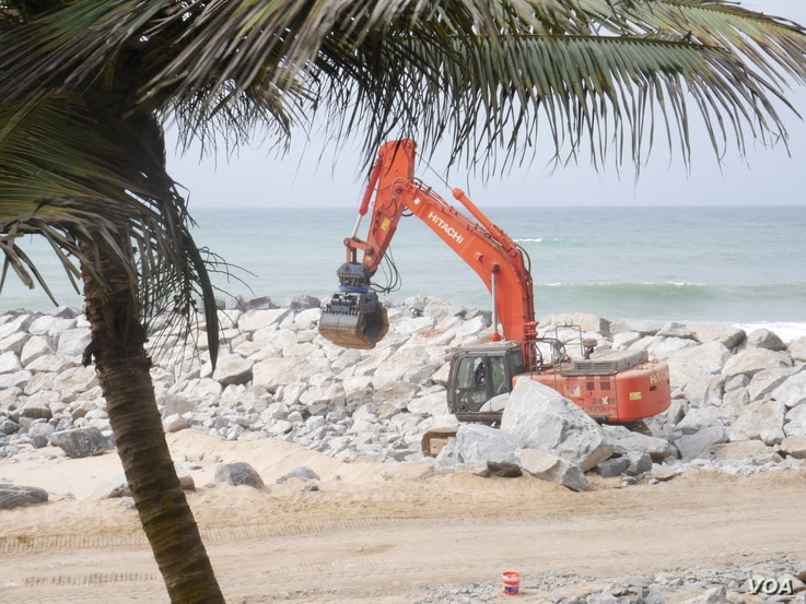 As Ghana's coasts erode, the government is putting up sea walls which some hotels say have a negative impact on business. Sept 30, 2020 (VOA/Stacey Knott)