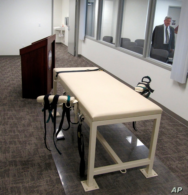 FILE - This Oct. 20, 2011 file photo shows the execution chamber at the Idaho Maximum Security Institution as Security…