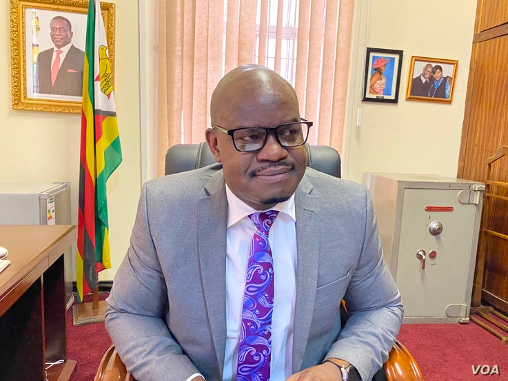 Ndavaningi Mangwana, the secretary for Zimbabwe's Ministry of Information says six new television stations were just licensed in Zimbabwe, and added that foreign media houses are now free to operate in the country.  (Photo: Columbus?Mavhunga/VOA)