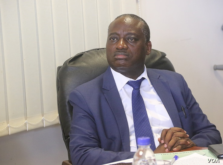 """Dr. John Mangwiro, Zimbabwe's deputy health minister, pictured in Harare on Jan. 3, 2021, says """"complacency and negligence"""" over the festive season were major causes of a surge in COVID-19 cases and deaths. (Columbus Mavhunga/VOA)"""