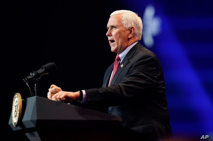 Wakil Presiden Mike Pence berbicara selama Turning Point USA Student Action Summit, 22 Desember 2020, di West Palm Beach, Florida.