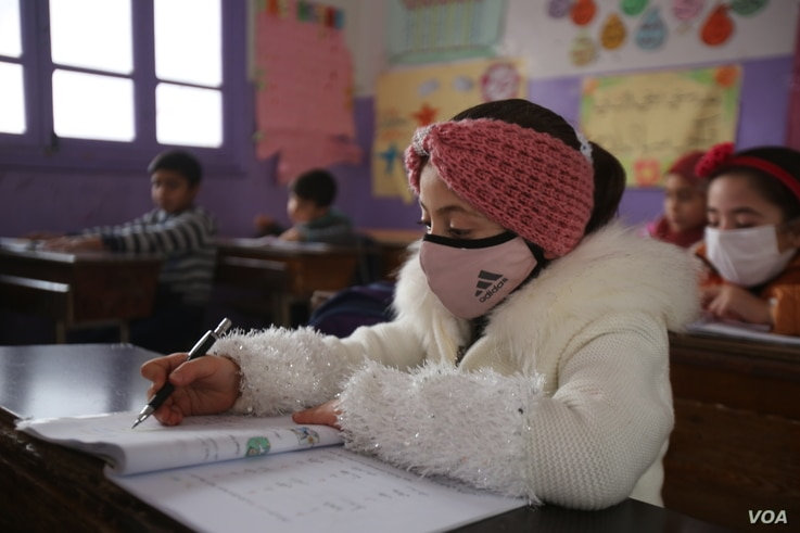 3N0C8855: School administrators say increasing child labor in Idlib, Syria not only keeps children out of school, but puts them and their entire society in danger. Dec. 1, 2020. (VOA)