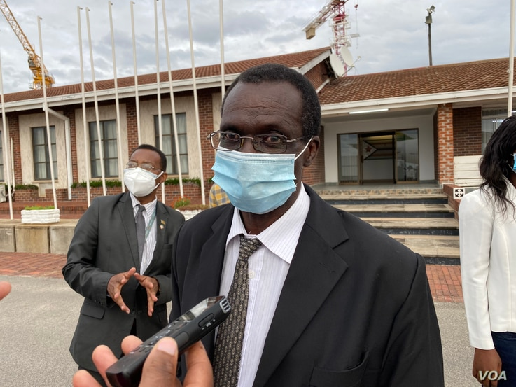 Dr. Robert Mudyirandima, acting health secretary, discusses the Sinopharm vaccine, in Harare, Feb. 15, 2021. (Columbus Mavhunga/VOA)