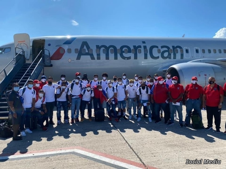 Belize national team photo taken at airport before Jaguars headed to Port-au-Prince for World Cup qualifier. (Photo: FFB Facebook)