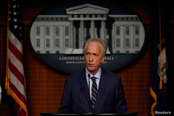 Louisville Mayor Greg Fischer announces a $12 million civil settlement between the estate of Breonna Taylor and the City of…