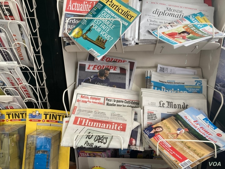 Lefitst newspaper l'Humanite was once owned by the Communist Party with a circulation of half a million. It still maintains