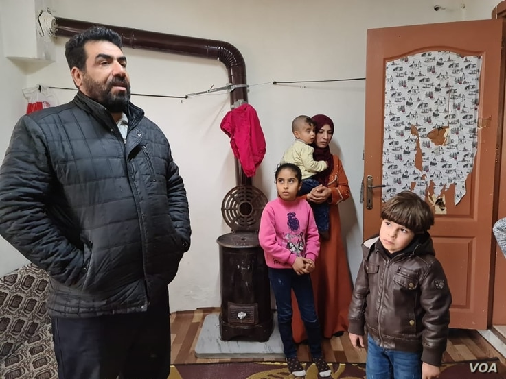 Mohammed al-Awas, 46, says while Turkey is safer than Syria, he has no way to support his family in Istanbul, April 17, 2021. (VOA/H.Murdock)