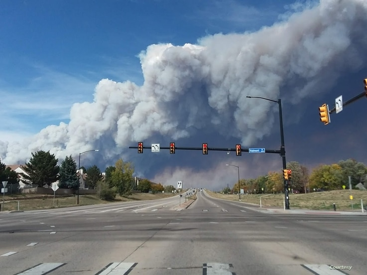 The Calwood Fire erupts west of Boulder Colo., Oct. 17, 2020, contributing to a record-setting fire season in the central Rocky Mountains. (Bryan Shuman)