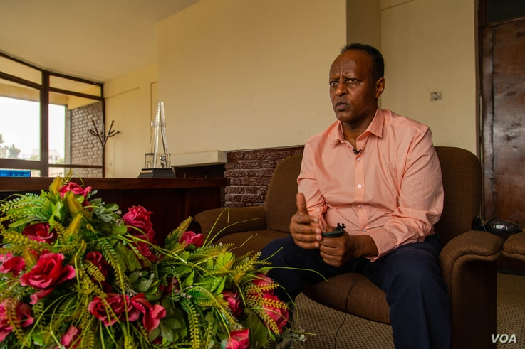 Dr. Tawfik Abdullahi, a former ambassador and current parliamentary candidate, says the economy and security are the main issues on Ethiopian voters' minds, in Addis Ababa, Ethiopia, June 22, 2021. (VOA/Yan Boechat)