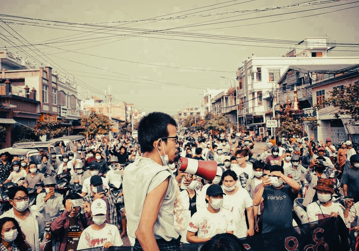 Ko Tayzar San rallies a crowd during anti-coup protests in Mandalay, Myanmar, 2021. (Courtesy photo)