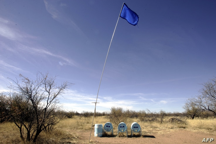 3/6 US-MEXICO-IMMIGRATION-PEOPLEWater tanks from the NGO Humane Borders are placed in the desert as supply for immigrants…