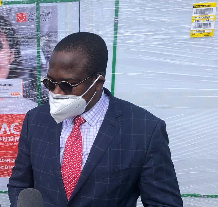 Mthuli Ncube, Zimbabwe's finance minister, told reporters at Robert Gabriel Mugabe International Airport in Harare on July 25, 2021 that the country had paid $92 million for 12 million jabs from China. (VOA/ColumbusMavhunga)