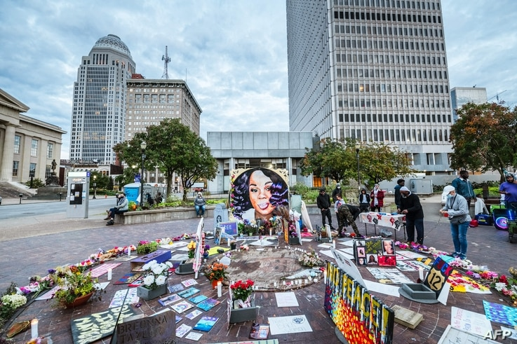 LOUISVILLE, KY - OCTOBER 2: The Breonna Taylor memorial being maintained by protesters in Jefferson Square Park on October 2,…