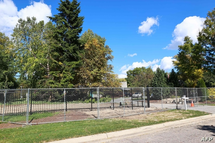 LANSING, MI - OCTOBER 08: A chain-link fence surrounds the Michigan governor's mansion on October 8, 2020 in Lansing, Michigan…